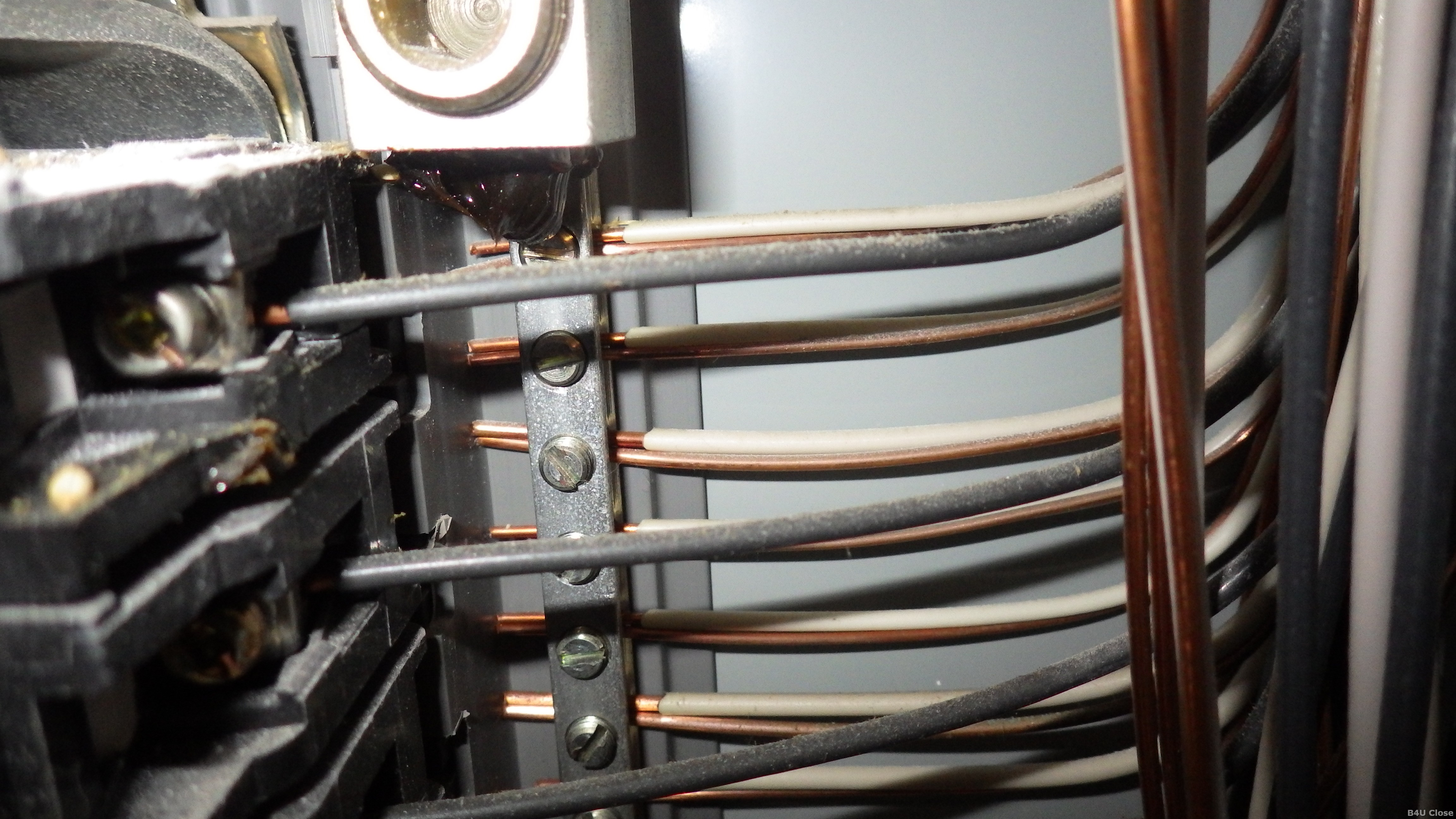 Double lugged neutral wires - B4U Close Home Inspections